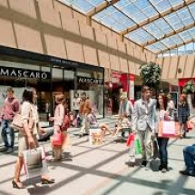 tiendas-compras-shopping-3-las-rozas-de-madrid-espana-min